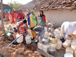 MP village women stand in queue for water