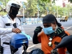 Kolkata Police distribute masks to common people