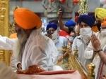 Modi visits Gurudwara Sis Ganj Sahib