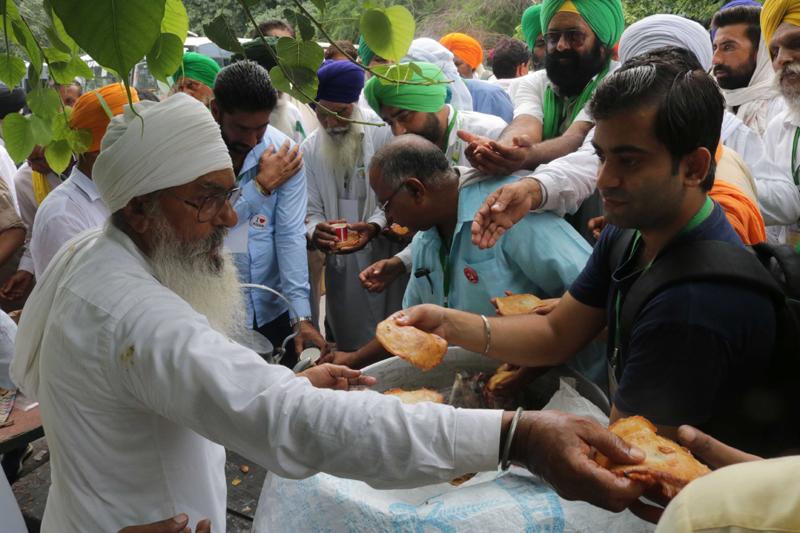 Farmers attending Farmers Sansad at Jantar Mantar