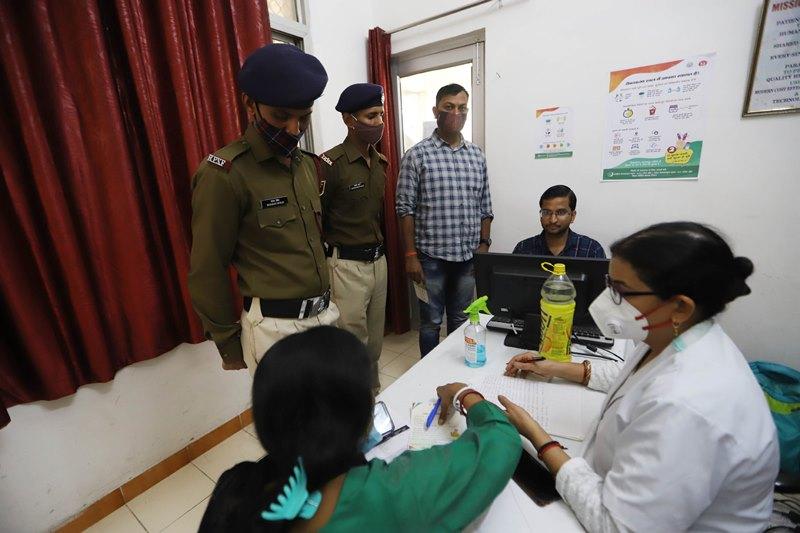 RPF Jawan receives Covishield dose in Prayagraj