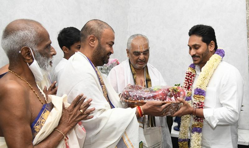 TTD Chief Priest, Ramana Deekshitulu and other Priest's of TTD calling on Andhra Pradesh CM Y S Jagan Mohan Reddy