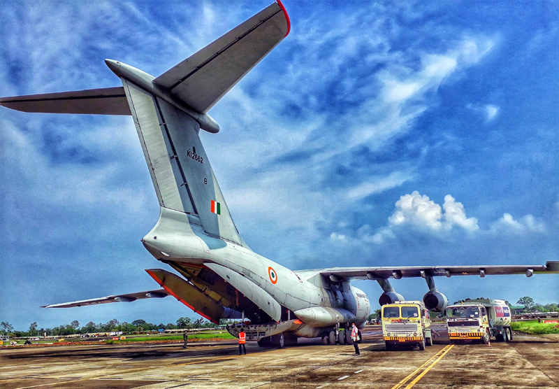 IAF IL76 Aircraft airlifts 100 Type-D Oxygen cylinders from Mumbai to Silchar