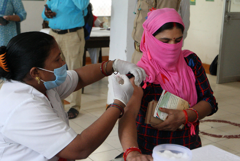 Prayagraj: Girl receiving COVID-19 vaccine