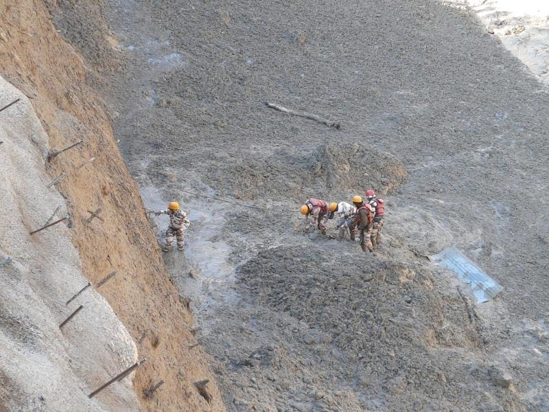 Uttarakhand: Glacier bursts in Chamoli