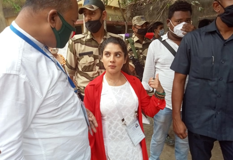 West Bengal Assembly polls: Celebrities exercise their voting rights