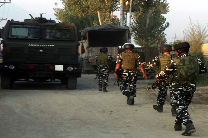 Security forces launch hunt for militants in Srinagar