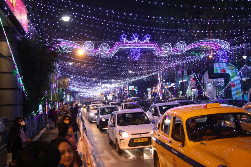 Kolkata welcomes New Year 2021 amid Covid-19 pandemic