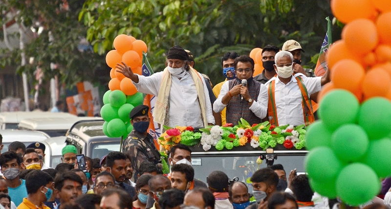 Bengal polls: Mithun Chakraborty holds roadshow for BJP candidate in South Kolkata