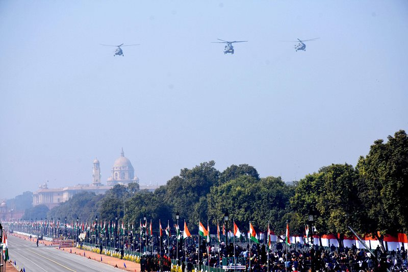 New Delhi: IAF Su-30, Mig-29 with C-17 Gobemaster fighter aircrafts performing a fly past during the 72nd Republic Day