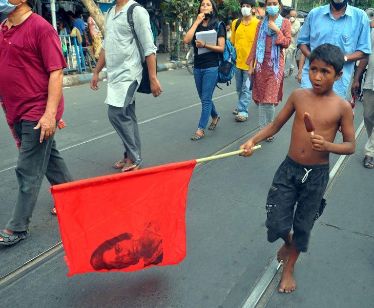 Protests in Kolkata against Sitalkuchi firing