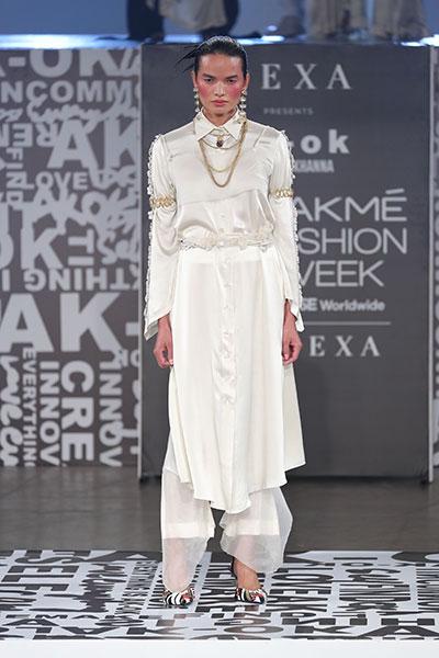 Shraddha Kapoor scorches the ramp at Lakme Fashion Week