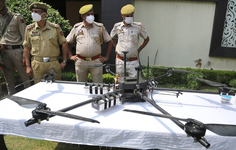 Kashmir: Police display IED in Jammu