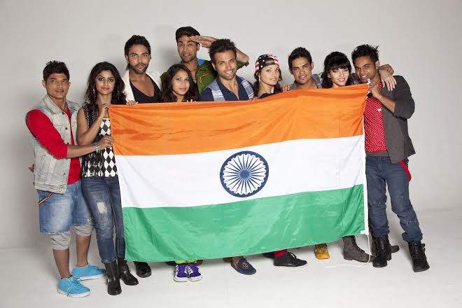 Akshay Kumar and Dare 2 Dance team celebrate I-Day in South Africa