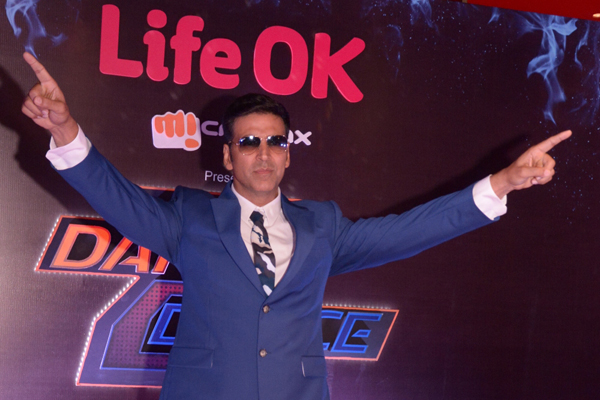 Akshay Kumar to mentor contestants on Life OK's Dare 2 Dance