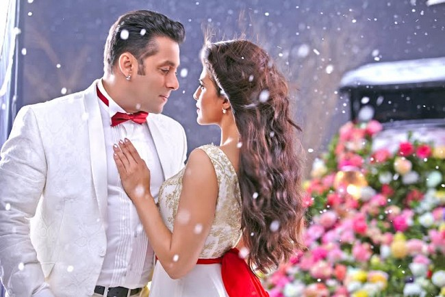 'Kick' races ahead of 'Chennai Express' in domestic collections