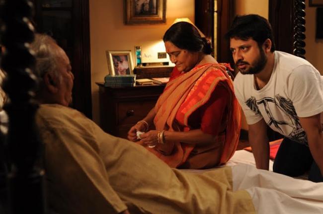 Prosenjit basks in Soumitra-starrer Belaseshe's runaway success