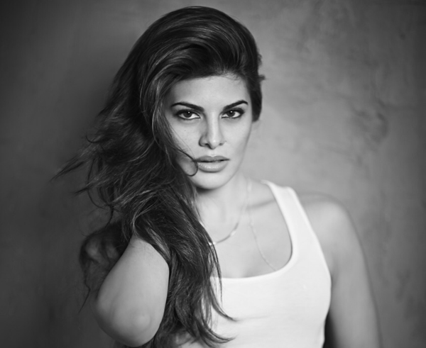 Jacqueline Fernandez to buy house for her mother in Malaysia