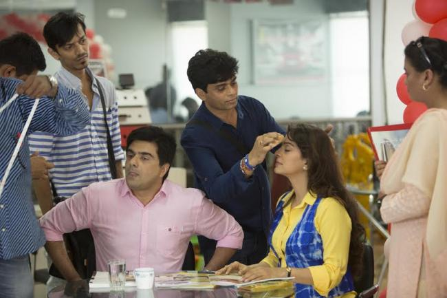 Producer does make up for Juhi Chawla for 'Chalk N Duster'