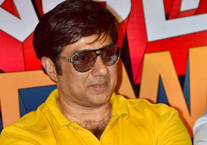 FIR against Sunny Deol for alleged abusive language in 'Mohalla Assi'