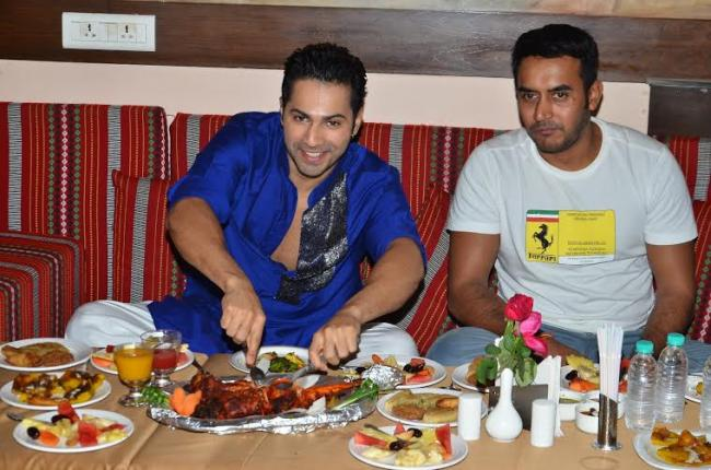 Varun Dhawan relishes ramzan delicacies!