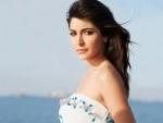 Anushka giving tough fight to Deepika,Katrina
