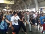 Sidharth-Katrina gave a Baar Baar Dekho moment at Jaipur's metro station