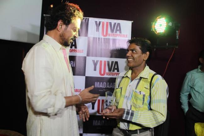 Irrfan meets social workers of Ahmedabad