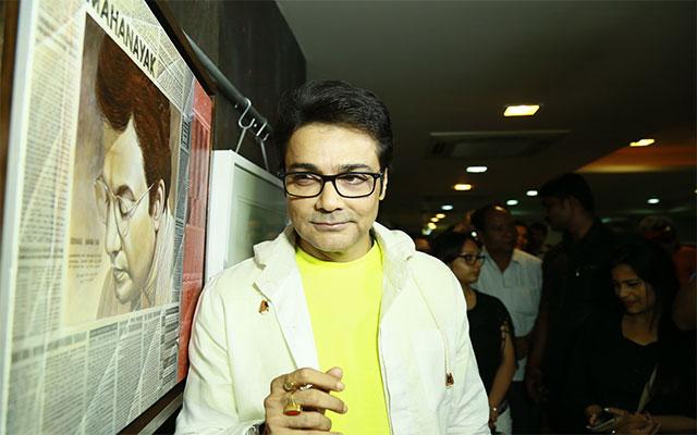 Prosenjit Chatterjee opens art show featuring Uttam Kumar