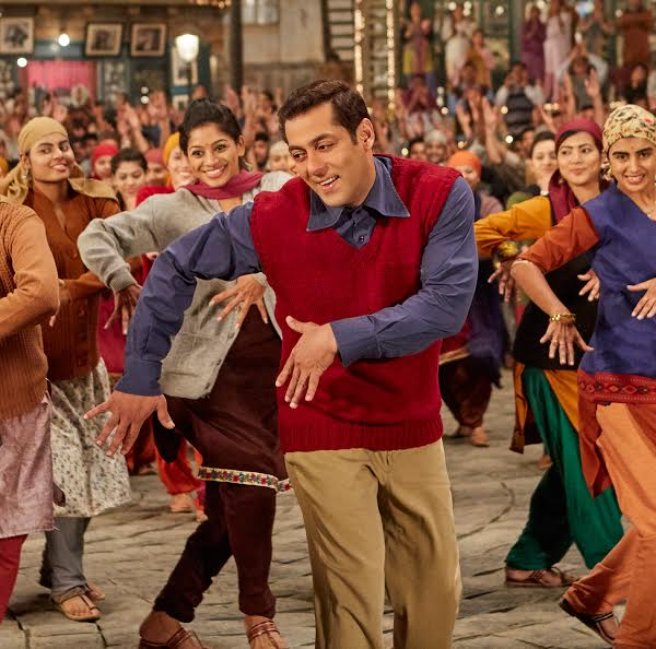 Salman Khan makes his Marathi singing debut