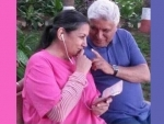 Shabana Azmi,Javed Akhtar completed 33 years of married life