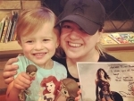 Gal Gadot gifts 'Wonder Woman' figurines to singer Kelly Clarkson, her daughter