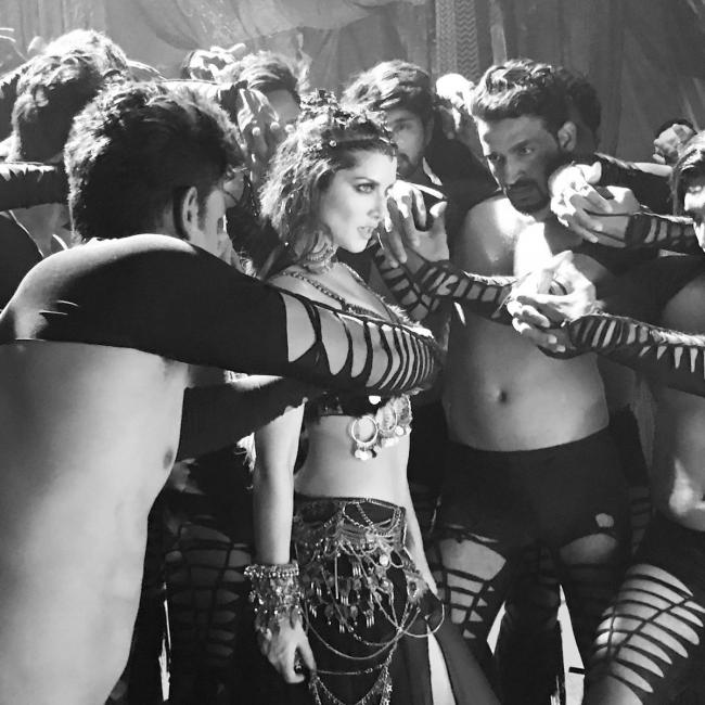 Get Set For Some Good Trippy Trippy Experience With Sunny Leone!