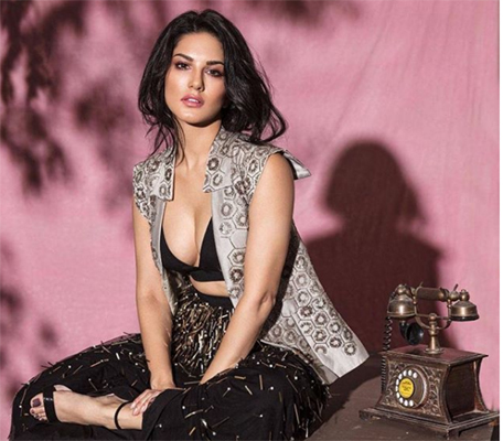 Sunny Leone looks hot in latest photoshoot | Indiablooms - First Portal on  Digital News Management