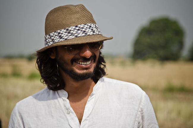 Abhishek Chaubey to direct web series Dus Assi