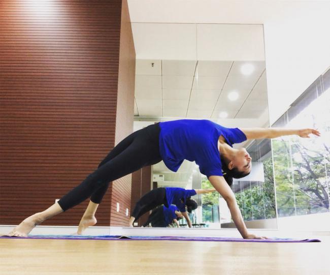 Sunny Leone shares her 'feel good stretch' on social media