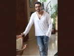 Milind Soman inspires Rohit Roy for riding