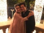 SRK-Kajol pair up for a cute photo together, fans like it