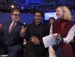 Shah Rukh Khan proposes Cate Blanchett for a selfie