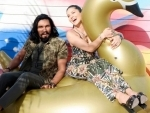 Sunny Leone, Randeep Hooda play with 'gigantic swan'