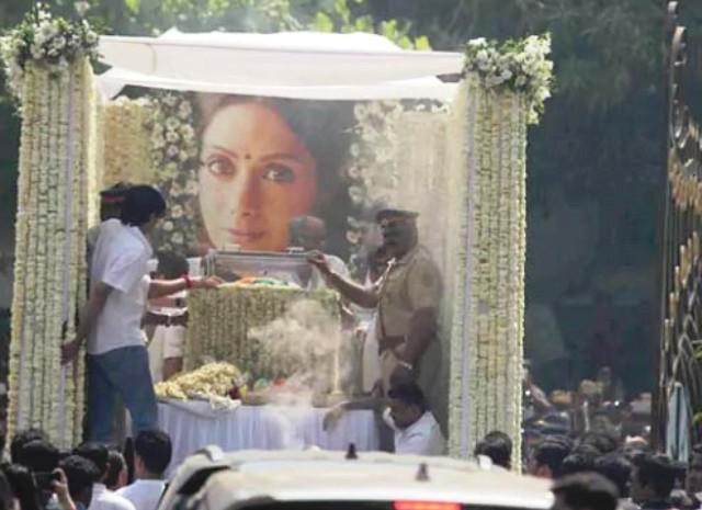 Bollywood superstar Sridevi cremated in Mumbai amid countless admirers paying respects