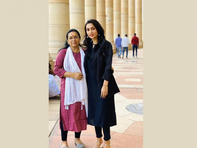 Mimi Chakraborty attends first day of Parliament, shares image online with mom
