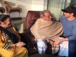 Bollywood superstar Hrithik Roshan shares hearty post for his teachers