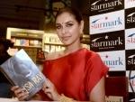 Bollywood actress Lisa Ray attacks Saaho makers for 'plagiarism'