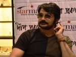 Taking Bhobishyoter Bhoot off theatres not a positive sign: Prosenjit Chatterjee