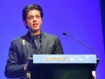 Shah Rukh Khan receives Indian Film Festival in Melbourne Excellence in Cinema Award