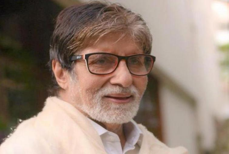 Amitabh Bachchan apologises to fans for failing to meet them on Sunday
