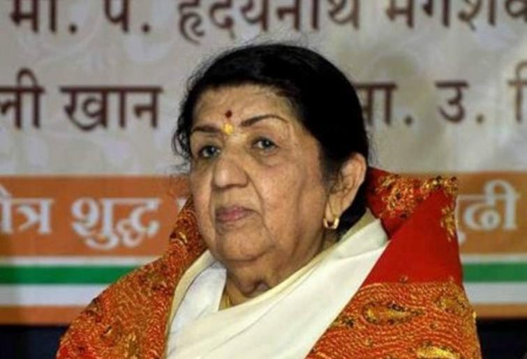 Indian singer Lata Mangeshkar recovering at Mumbai hospital