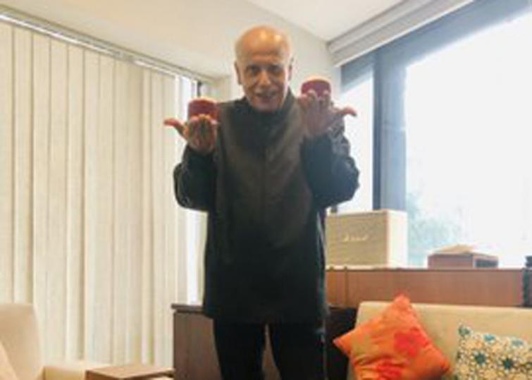 My father Mahesh Bhatt is living dangerously and kicking, says Pooja Bhatt reacting to death hoax