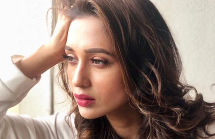 Messy Hair Look: Mimi Chakraborty shares yet another gorgeous image on Instagram